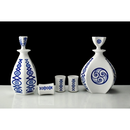 Seven-piece liquor set. Lua collection.