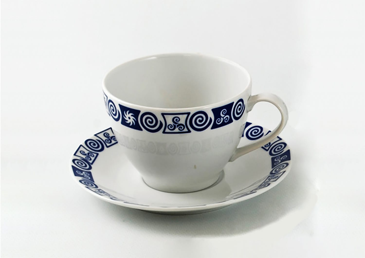Volare design Mug and saucer. Celta collection.