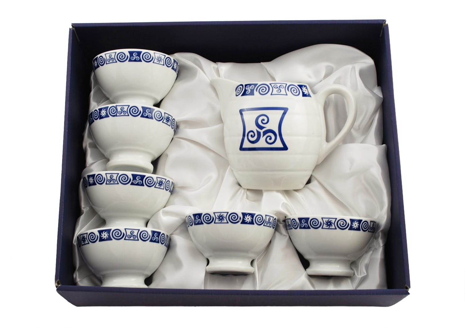 Six medium wine cups and one pitcher set. Celta collection.