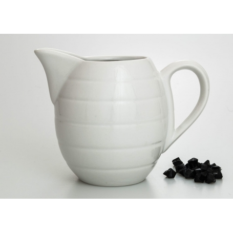 Barrel-shaped wine pitcher. White collection.