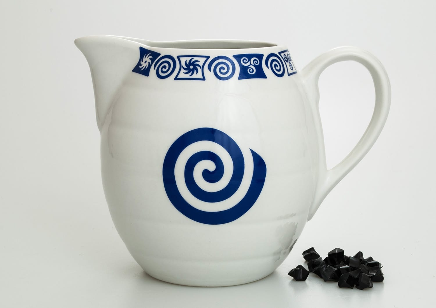 Barrel-shaped wine pitcher. Celta collection.