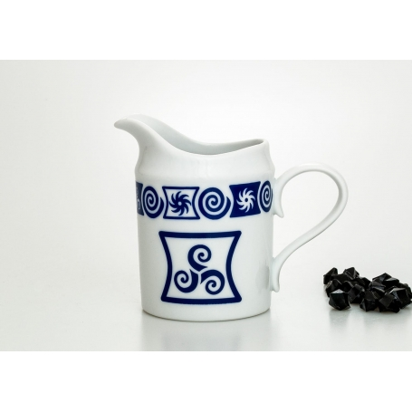 Moments milk pot. Celta collection.