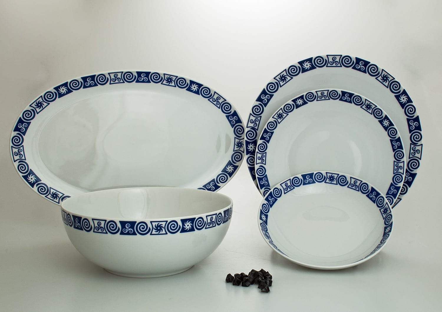 20-piece dinnerware set. Coupe design, Celta collection.