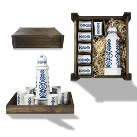 Seven-piece liquor set in wooden box. Lighthouse design, Lua collection.