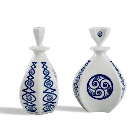 Porcelain liquor bottle Lagoa. lúa collection.