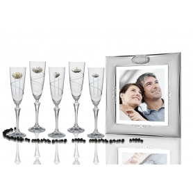 Elisabeth champagne flutes and Silver photo frame for wedding or anniversary gift